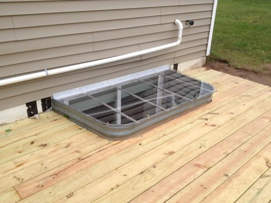 alexson-sloped-well-cover-72x37