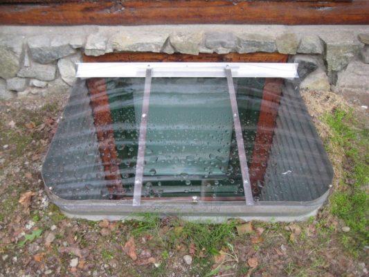 sloped elongated medium-size cover