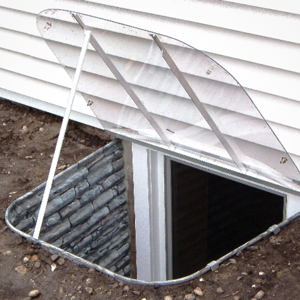 stonewall basement well with an open clear top cover
